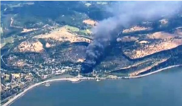 Oregon officials want a hold on oil trains after derailment