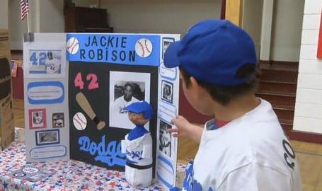 Learning history from Jackie Robinson (MTN News photo)