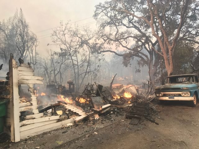 A home destroyed by a wildfire in Glen Ellen on October 9, 2017. (Wilson Walker / CBS)