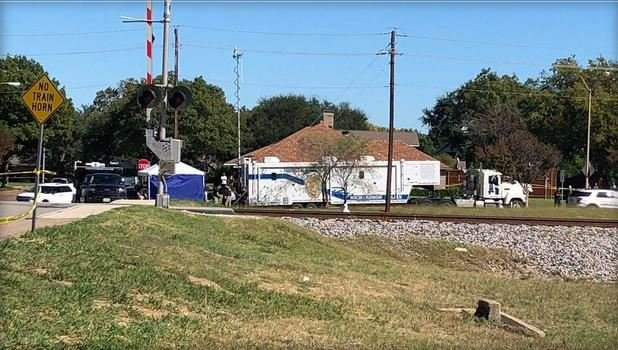 Police in Richardson, Texas, found the body of a small child Sunday morning. / CBS DALLAS FORT WORTH/KEN MOLESTINA