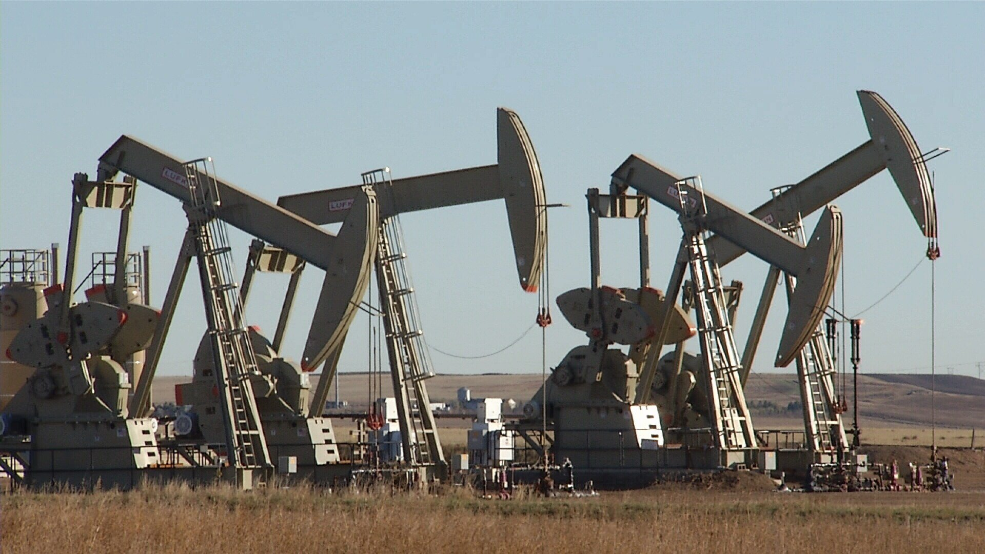 Oman reports oil output decline in first ten months