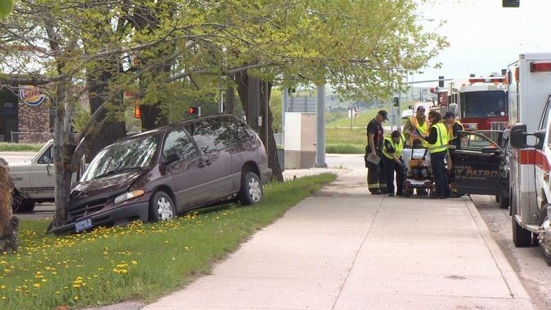 Vehicle crashes into tree after brief pursuit (MTN News/Brandon Sullivan Photo)