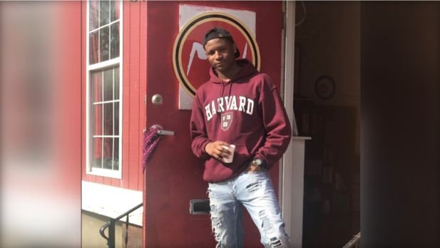 Philadelphia teen Richard Jenkins, who used to sleep in a homeless shelter, has now received a full ride to Harvard University / TWITTER/MIGHTY WRITERS